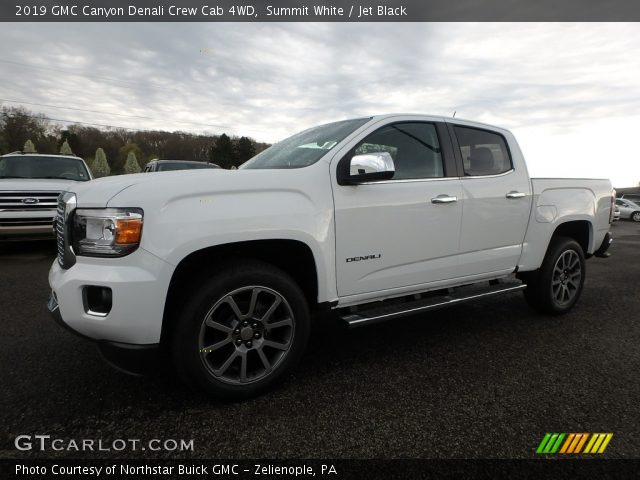 2019 GMC Canyon Denali Crew Cab 4WD in Summit White