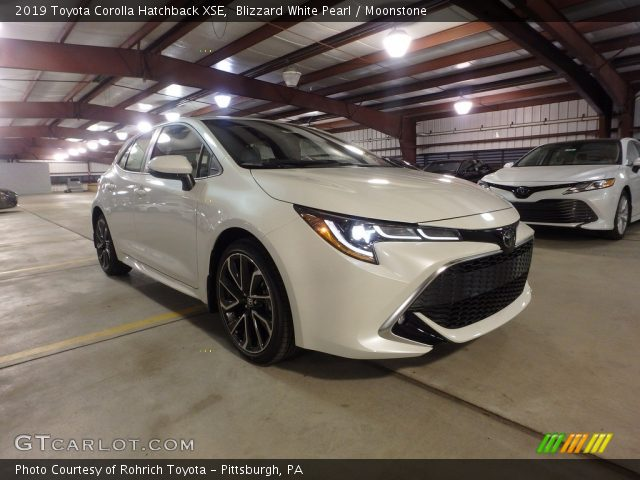 2019 Toyota Corolla Hatchback XSE in Blizzard White Pearl