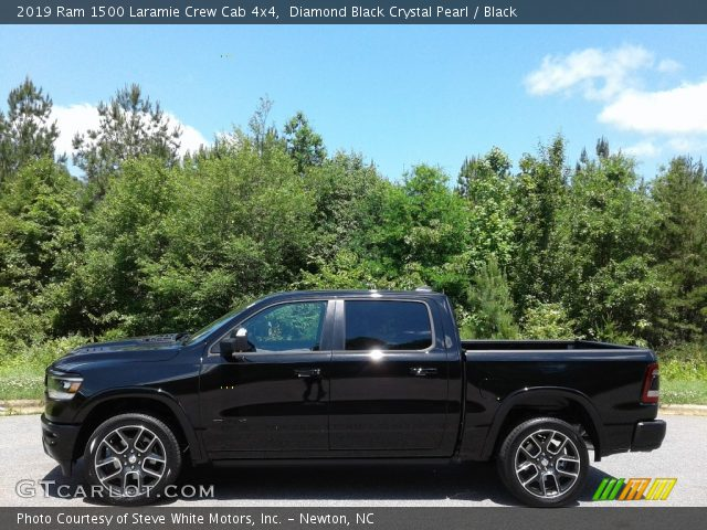 2019 Ram 1500 Laramie Crew Cab 4x4 in Diamond Black Crystal Pearl