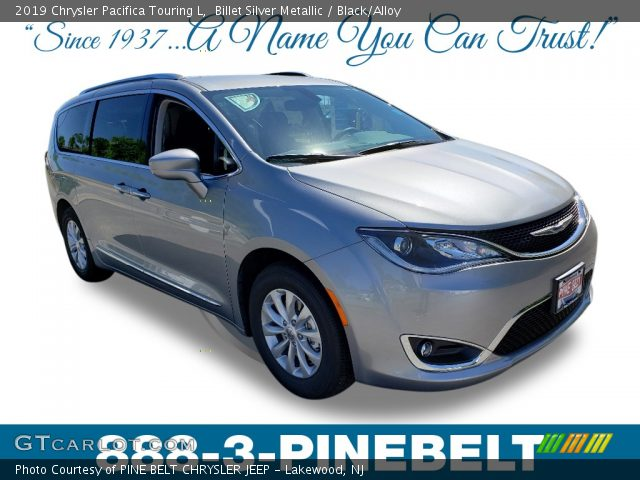2019 Chrysler Pacifica Touring L in Billet Silver Metallic