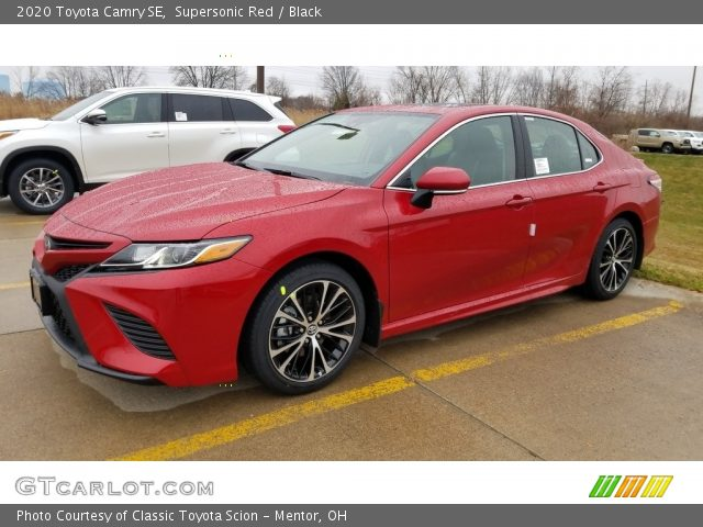 2020 Toyota Camry SE in Supersonic Red