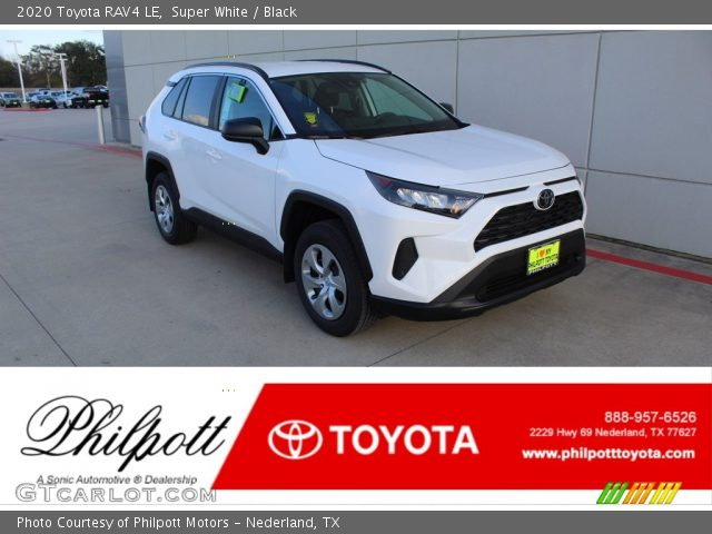 2020 Toyota RAV4 LE in Super White