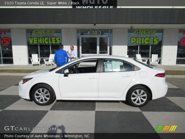 2020 Toyota Corolla LE in Super White