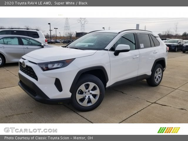 2020 Toyota RAV4 LE AWD in Super White