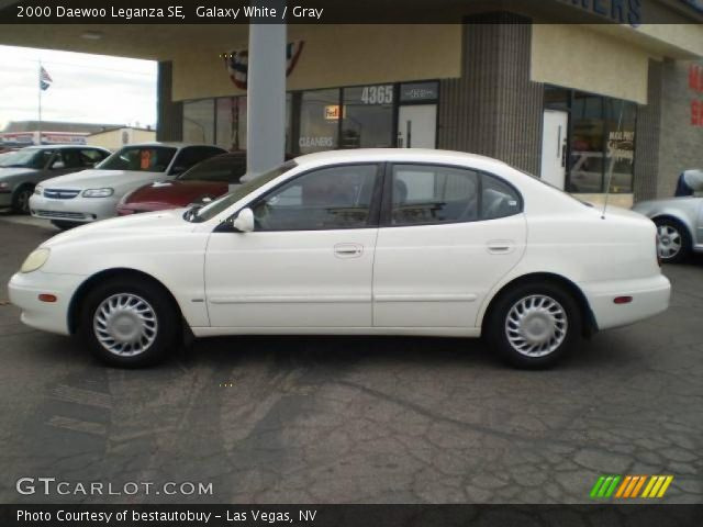2000 Daewoo Leganza SE in Galaxy White