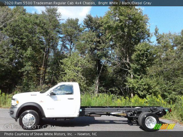 2020 Ram 5500 Tradesman Regular Cab 4x4 Chassis in Bright White