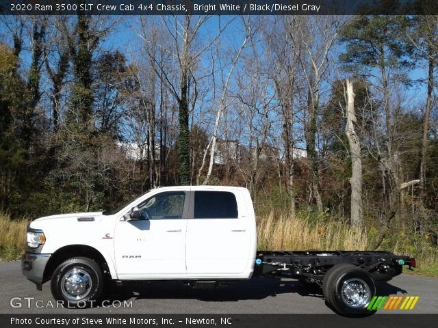 2020 Ram 3500 SLT Crew Cab 4x4 Chassis in Bright White
