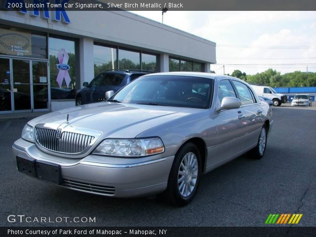 silver birch metallic 2003 lincoln town car signature. Black Bedroom Furniture Sets. Home Design Ideas