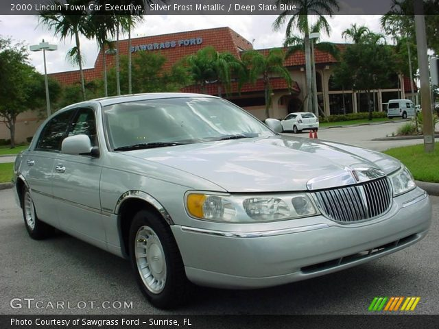 silver frost metallic 2000 lincoln town car executive deep slate blue interior gtcarlot. Black Bedroom Furniture Sets. Home Design Ideas