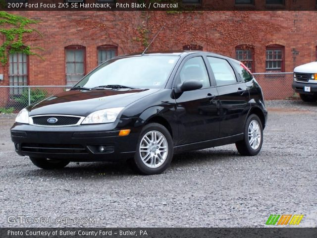 pitch black 2007 ford focus zx5 se hatchback charcoal. Black Bedroom Furniture Sets. Home Design Ideas