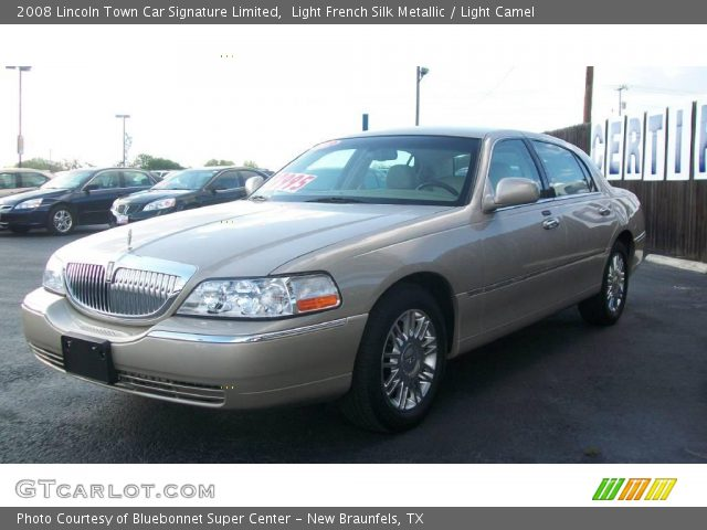 light french silk metallic 2008 lincoln town car signature limited light camel interior. Black Bedroom Furniture Sets. Home Design Ideas