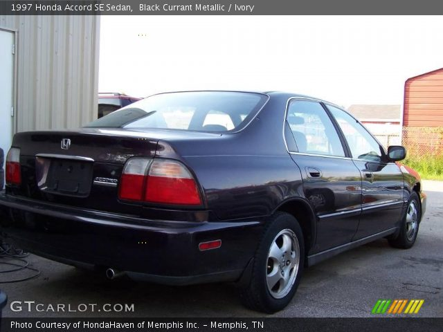 1997 Honda Accord SE Sedan in Black Currant Metallic