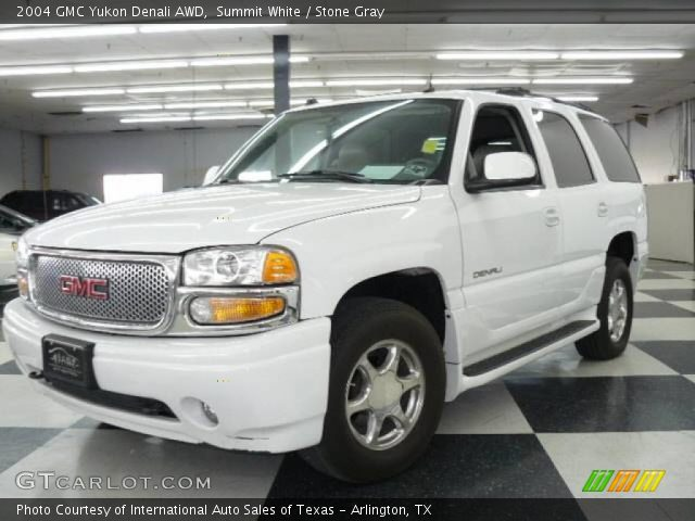 2004 GMC Yukon Denali AWD in Summit White