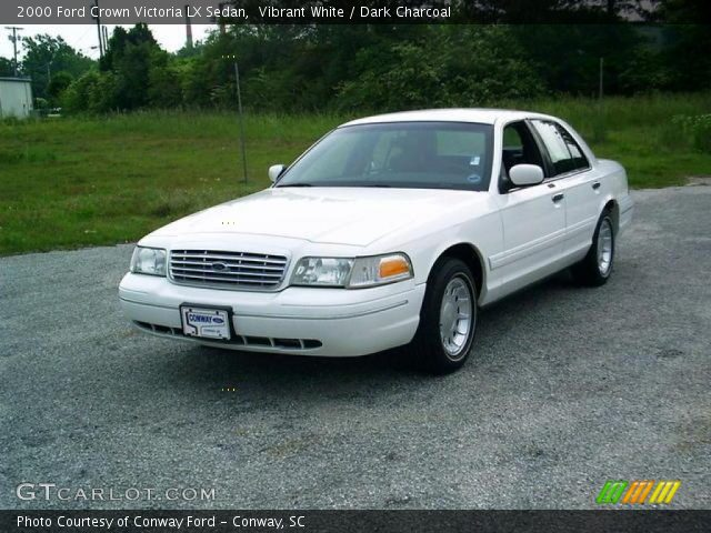vibrant white 2000 ford crown victoria lx sedan dark charcoal interior. Black Bedroom Furniture Sets. Home Design Ideas
