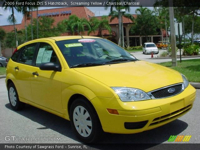 screaming yellow 2006 ford focus zx5 s hatchback. Black Bedroom Furniture Sets. Home Design Ideas