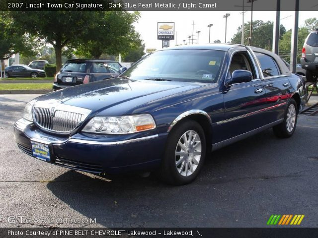 dark blue pearl metallic 2007 lincoln town car signature light camel interior. Black Bedroom Furniture Sets. Home Design Ideas