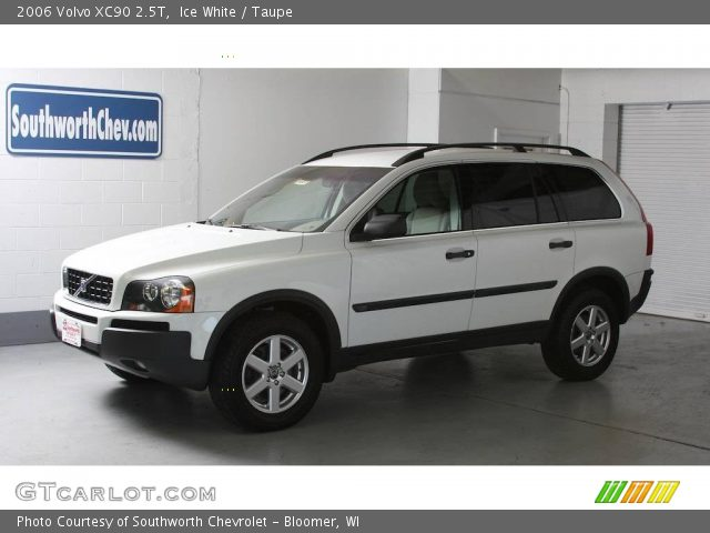 ice white 2006 volvo xc90 2 5t taupe interior vehicle archive 17114863. Black Bedroom Furniture Sets. Home Design Ideas