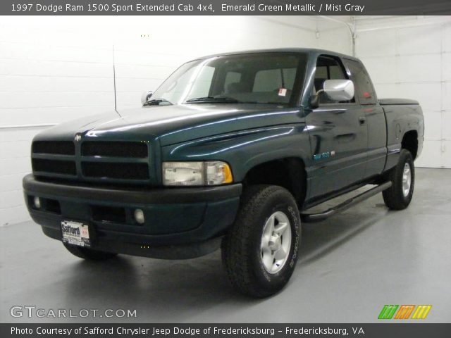 emerald green metallic 1997 dodge ram 1500 sport extended cab 4x4 with. Black Bedroom Furniture Sets. Home Design Ideas