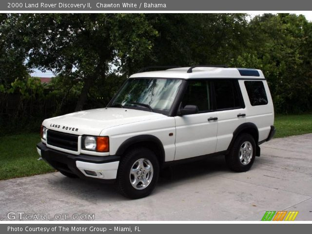 Chawton white 2000 land rover discovery ii bahama for Land rover 2000 interior