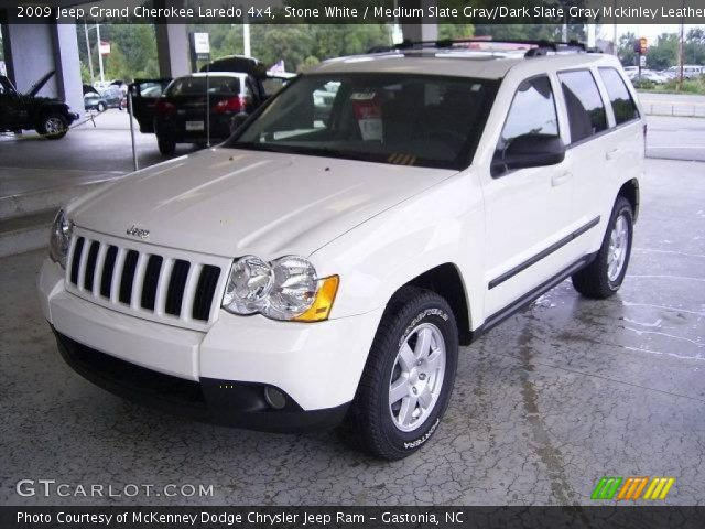 stone white 2009 jeep grand cherokee laredo 4x4 medium slate gray dark slate gray mckinley. Black Bedroom Furniture Sets. Home Design Ideas