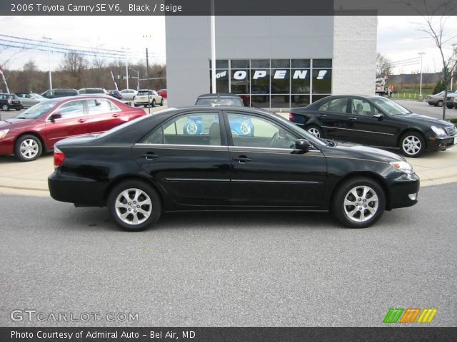 black 2006 toyota camry se v6 beige interior. Black Bedroom Furniture Sets. Home Design Ideas
