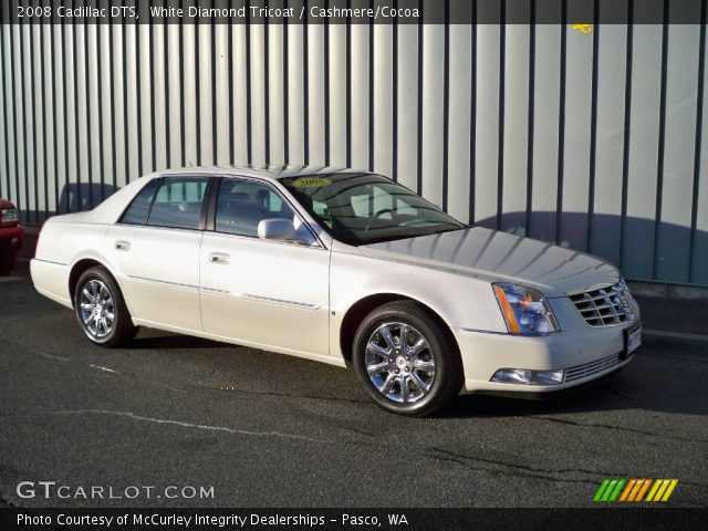 2008 Cadillac DTS  in White Diamond Tricoat
