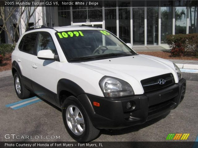 nordic white 2005 hyundai tucson gls v6 beige interior. Black Bedroom Furniture Sets. Home Design Ideas
