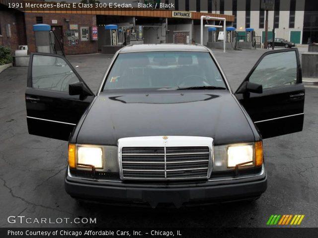 1991 Mercedes-Benz E Class 300 E Sedan in Black