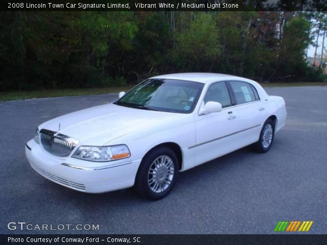 vibrant white 2008 lincoln town car signature limited. Black Bedroom Furniture Sets. Home Design Ideas
