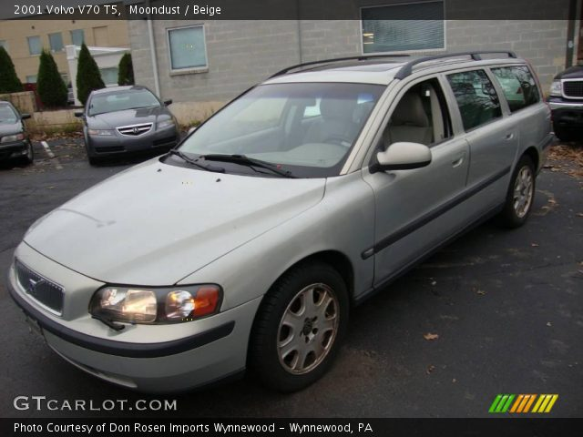 2001 Volvo V70 T5 in Moondust