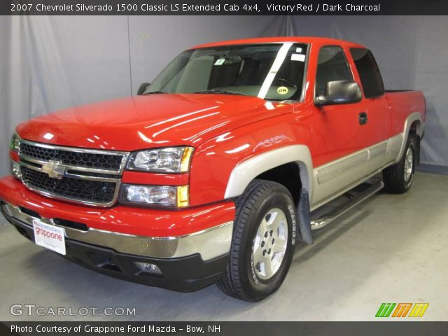 victory red 2007 chevrolet silverado 1500 classic ls extended cab 4x4 dark charcoal interior. Black Bedroom Furniture Sets. Home Design Ideas