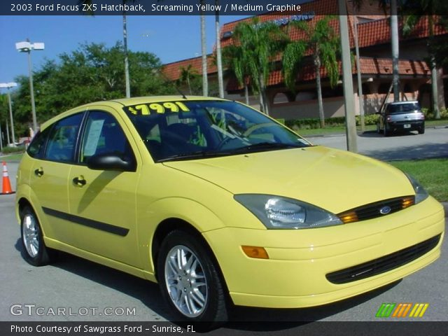screaming yellow 2003 ford focus zx5 hatchback medium. Black Bedroom Furniture Sets. Home Design Ideas