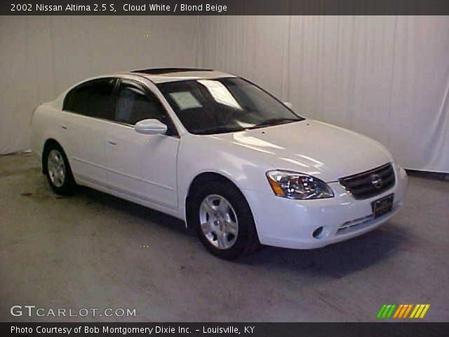 Cloud White 2002 Nissan Altima 25 S Blond Beige Interior