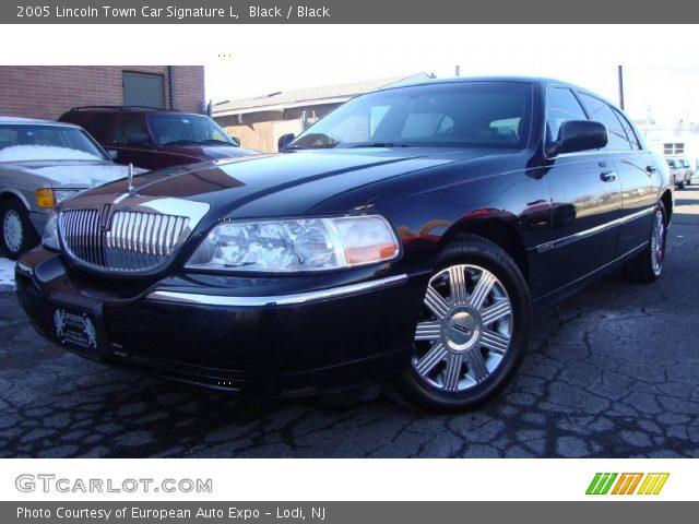 Black 2005 Lincoln Town Car Signature L Black Interior