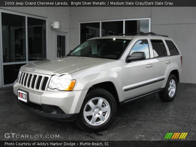 bright silver metallic 2009 jeep grand cherokee laredo medium slate gray dark slate gray. Black Bedroom Furniture Sets. Home Design Ideas
