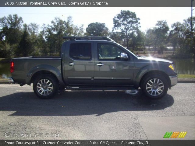 storm gray 2009 nissan frontier le crew cab graphite interior vehicle. Black Bedroom Furniture Sets. Home Design Ideas