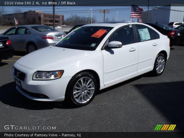 ice white 2010 volvo s40 off black interior vehicle archive 26778450. Black Bedroom Furniture Sets. Home Design Ideas