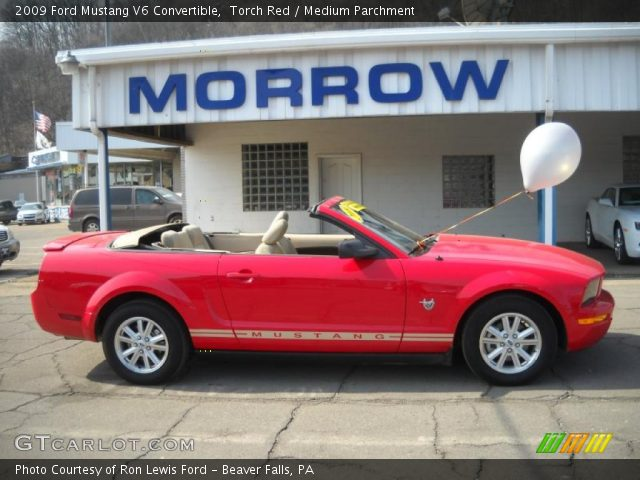 torch red 2009 ford mustang v6 convertible medium. Black Bedroom Furniture Sets. Home Design Ideas