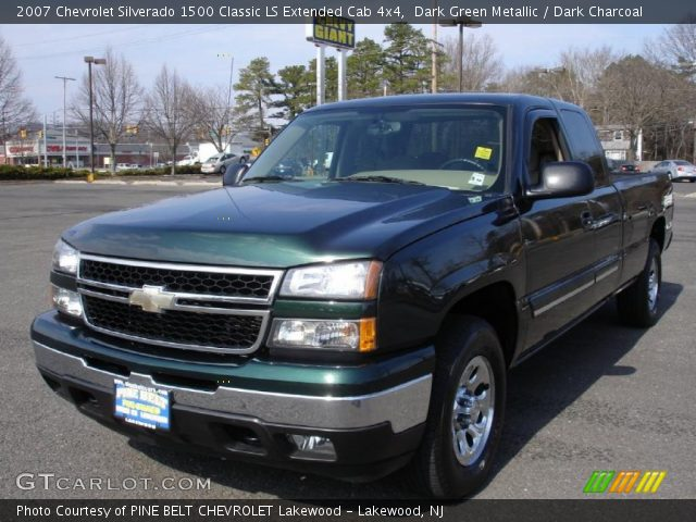 2007 Chevrolet Silverado 1500 Classic LS Extended Cab 4x4 in Dark Green Metallic