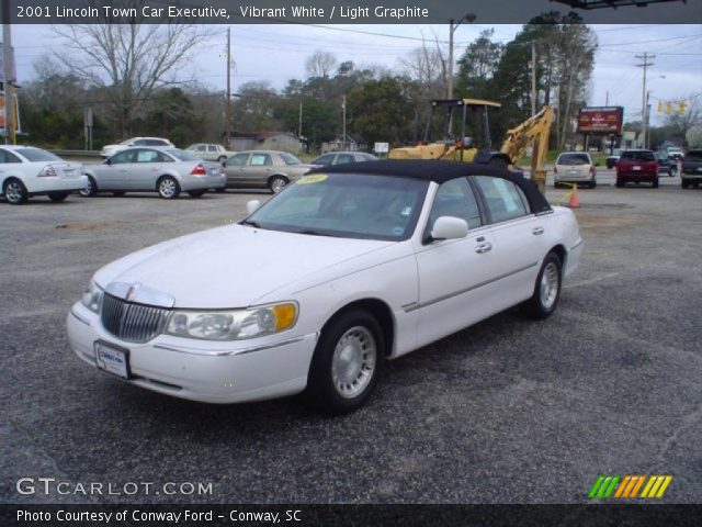 vibrant white 2001 lincoln town car executive light. Black Bedroom Furniture Sets. Home Design Ideas