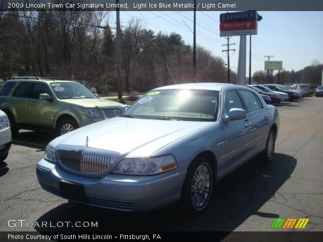 light ice blue metallic 2009 lincoln town car signature limited light camel interior. Black Bedroom Furniture Sets. Home Design Ideas
