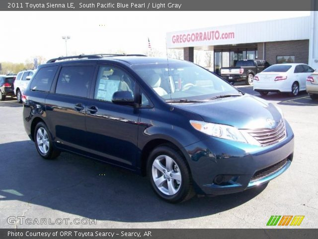 south pacific blue pearl 2011 toyota sienna le light gray interior vehicle. Black Bedroom Furniture Sets. Home Design Ideas