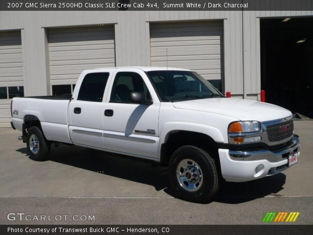 summit white 2007 gmc sierra 2500hd classic sle crew cab 4x4 dark charcoal interior. Black Bedroom Furniture Sets. Home Design Ideas