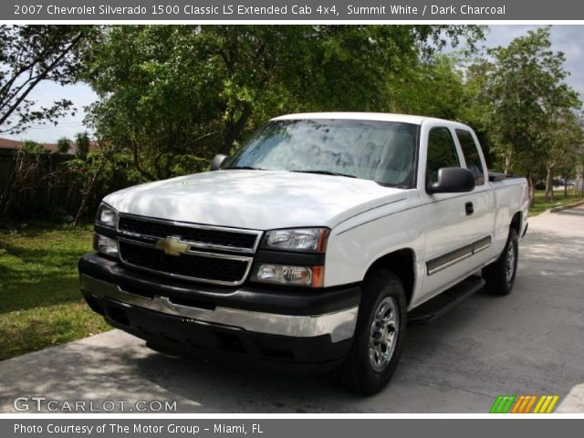 2007 Chevrolet Silverado 1500 Classic LS Extended Cab 4x4 in Summit White