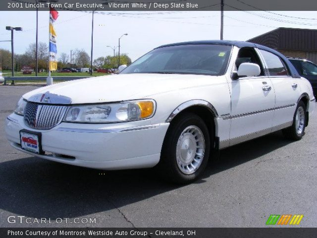vibrant white 2001 lincoln town car executive deep slate blue interior. Black Bedroom Furniture Sets. Home Design Ideas