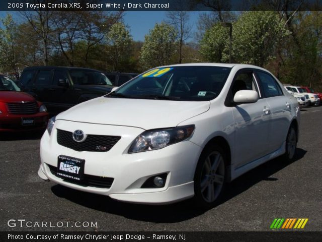 super white 2009 toyota corolla xrs dark charcoal. Black Bedroom Furniture Sets. Home Design Ideas