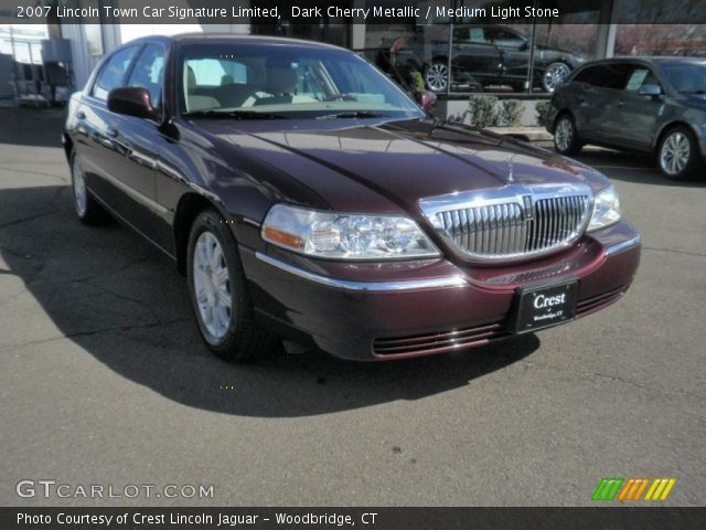 dark cherry metallic 2007 lincoln town car signature limited medium light stone interior. Black Bedroom Furniture Sets. Home Design Ideas