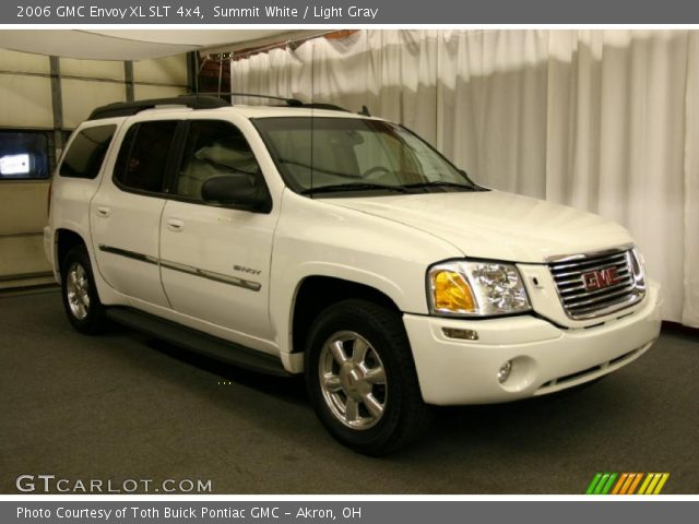 summit white 2006 gmc envoy xl slt 4x4 light gray. Black Bedroom Furniture Sets. Home Design Ideas