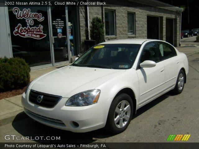 Cloud White 2002 Nissan Altima 25 S Charcoal Black Interior