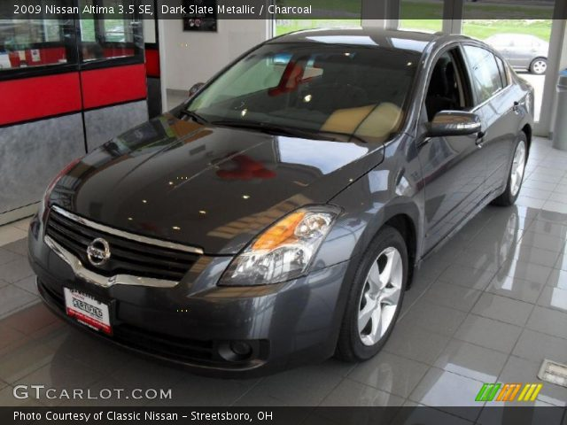 dark slate metallic 2009 nissan altima 3 5 se charcoal interior vehicle. Black Bedroom Furniture Sets. Home Design Ideas